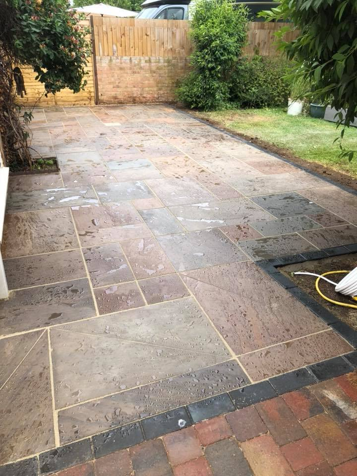 6 Reasons To Use Natural Stone Paving For Your Patio